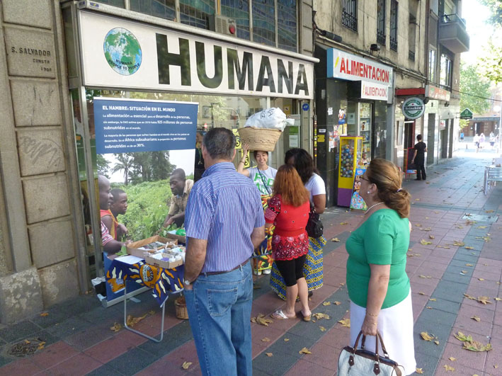 Ongoing Human Day Street Action and the Photographic Exhibition on food safety-img1