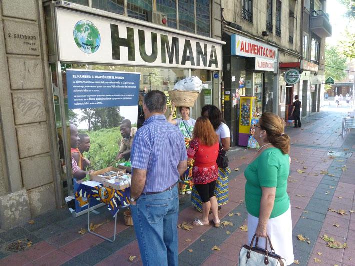 En marxa Humana Day Street Action i l'Exposició Fotogràfica sobre seguretat alimentària-img1