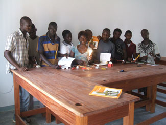 Les noves disciplines tècniques impartides a Guinea Bissau donen els seus fruits-img2