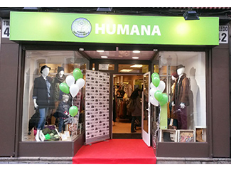 Humana new store opens in Madrid sustainable fashion-img2