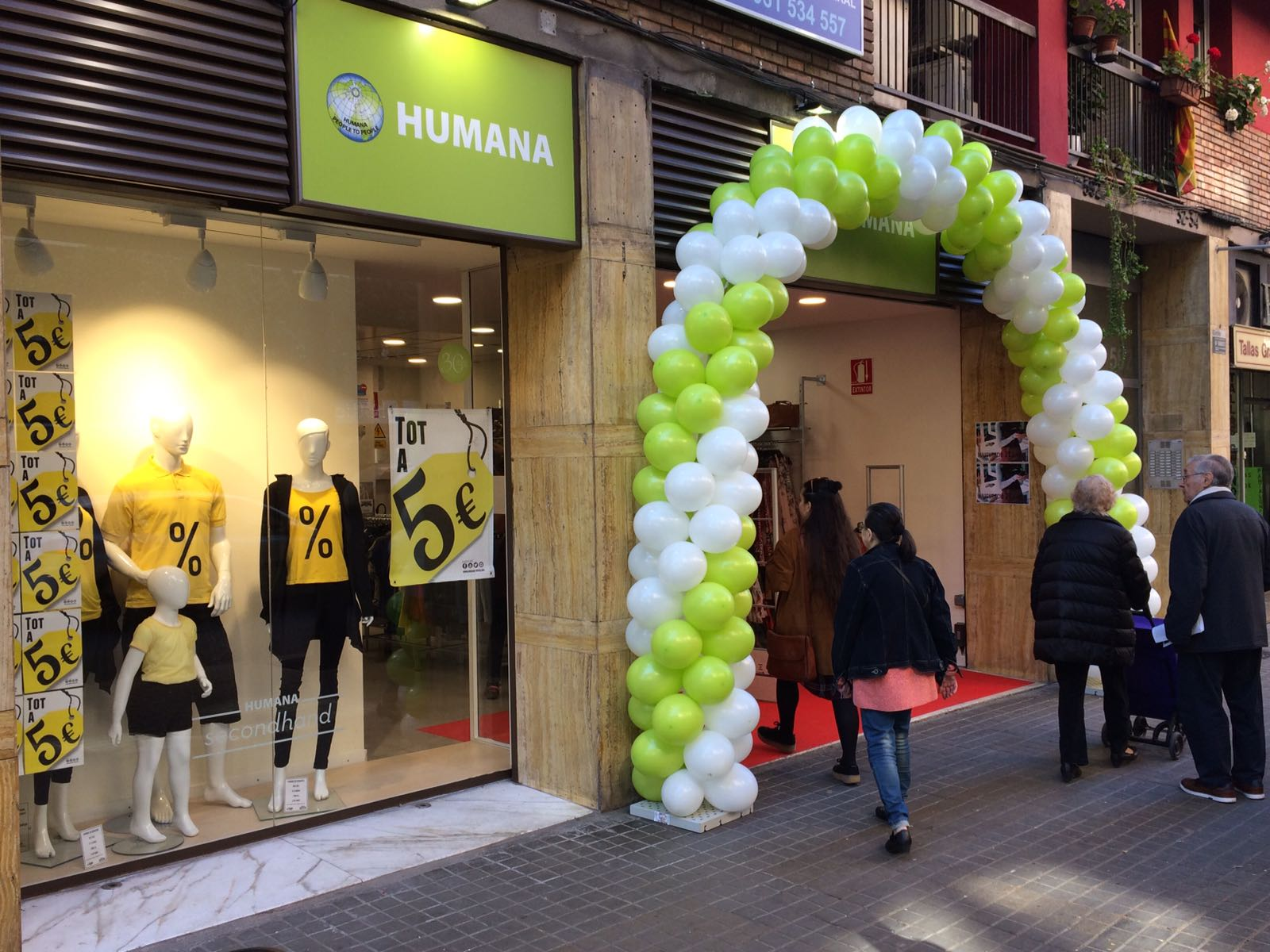 Nueva tienda Humana a las puertas de la Fashion Revolution Week-img1