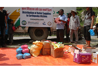 Prosigue la distribución de ayuda en Nepal-img2