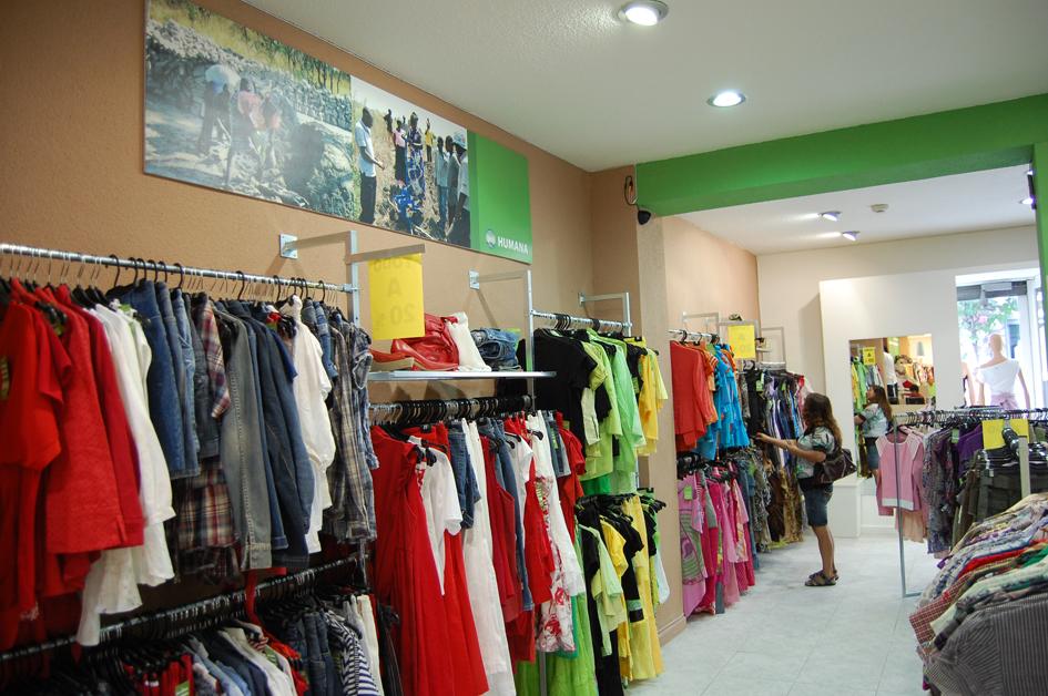 Humana abre su octava tienda de  ropa de segunda mano en Madrid  para cooperación al desarrollo-img3