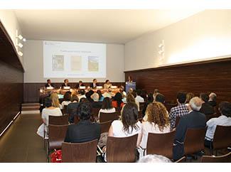 Debatent sobre energia a Col • legi d'Economistes de Catalunya-img1