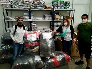 Cataluña: Humana dona ropa para personas con pocos recursos afectadas por la pandemia-img1