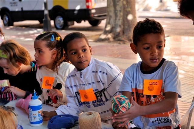 Cerca de 1.000 niñas han participado ya en el proyecto de sensibilización sobre los ODM mediante marionetas-img1